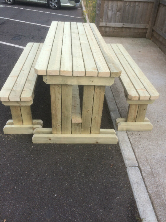 Walk In Table And Bench Set